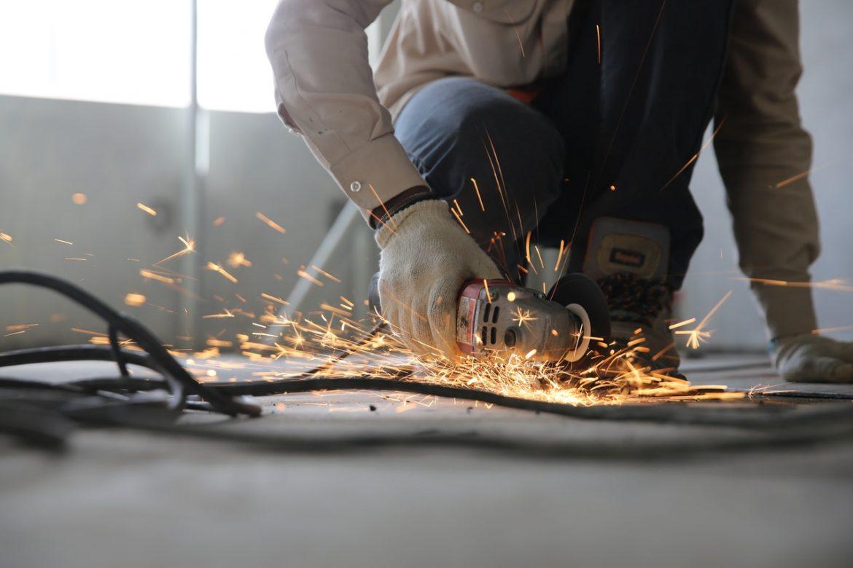 Agregat prądotwórczy – praktyczne rozwiązanie dla firmy