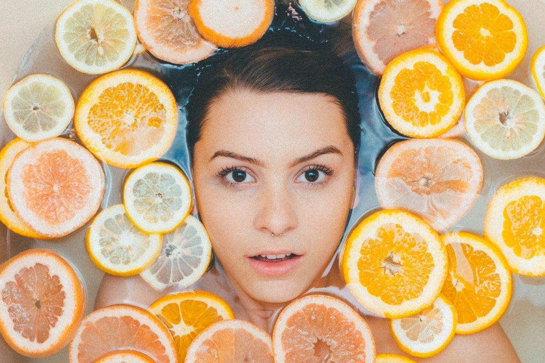 Surowce kosmetyczne – co powinieneś wiedzieć o naturalnych olejach?